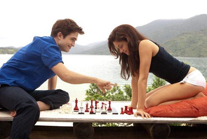 Aşk satrancı oyna, şah mat olma!